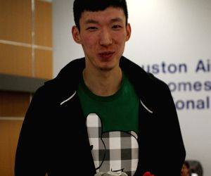 U.S. HOUSTON BASKETBALL NBA ROCKETS ZHOU QI ARRIVAL