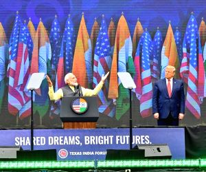'Howdy Modi' hits world headlines