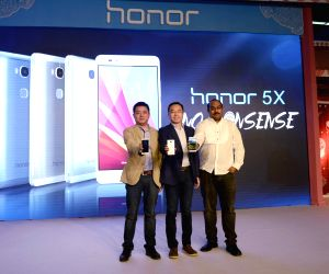 Huawei  launches Honor 5X & Holly 2 Plus