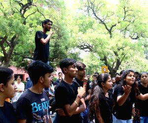 Demonstration against Dalit woman's murder outside Kerala House