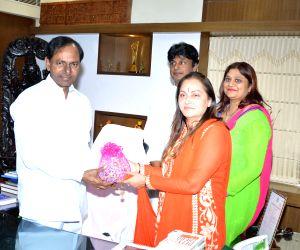 Jaya Prada calls on the Telangana CM