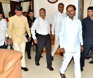 Andhra-Telangana CMs meet to discuss Krishna Water