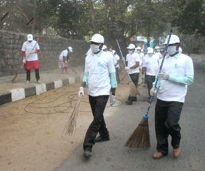 Doctors participate in Clean India Campaign