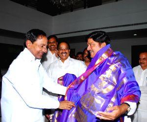 Rajendra Prasad met KCR