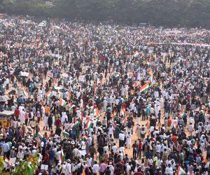 Anti-CAA protests trigger unprecedented demand for tricolour