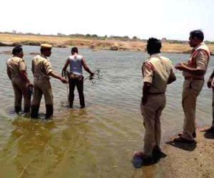 six childrens drown at Manair Dam