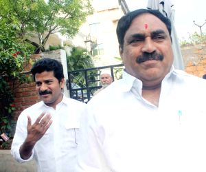 Dayakar Rao arrives to meet K. Jana Reddy