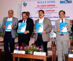 Harsh Vardhan  during a workshop organised on 'Indian Tsunami Early Warning System'