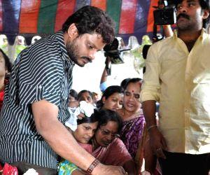 Celebs pay homage to MS Narayana