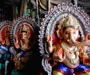 idols-of-lord-ganesha-at-a-workshop-on-the-eve-of