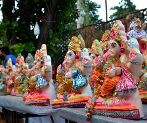 idols-of-lord-ganesha-on-sale-on-the-eve-of