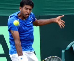 Davis Cup - Hong Chung vs Rohan Bopanna