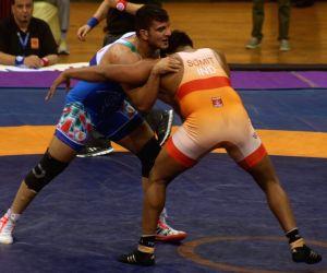 New Delhi: Asian Wrestling Championship - Yadollah Mohammadkazem Mohebi Vs Sumit
