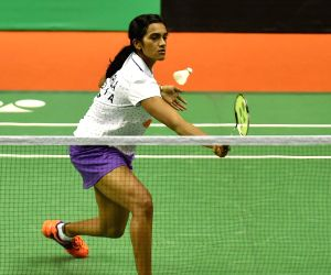 Sindhu advances, Saina out of China Open