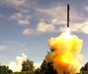 Indian Army agains test-fires BrahMos advanced missile ()