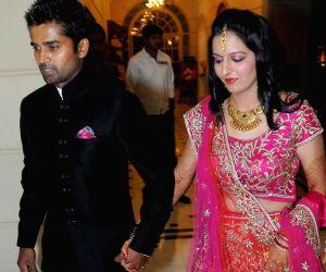 Indian Cricketer R Vinay Kumar ties knot