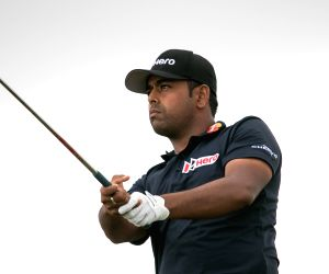Lahiri stumbles in opening round of British Open