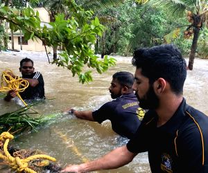 As flood water recedes, fear of epidemics looms over Kerala