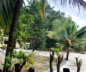 Rains abate, flood waters recede as relief pours into Kerala