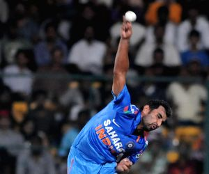 Variety in bowling makes India strong contender: Chappell