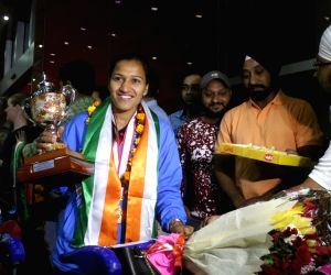 Indian women's hockey team arrive at T3 Airport