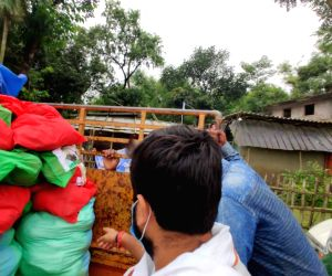 New Delhi/Patna: Indian Youth Congress reaches flood-affected Bihar with relief material