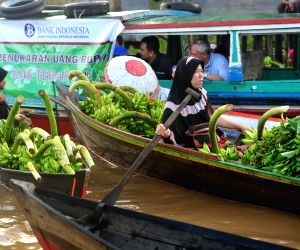 INDONESIA-SOUTH KALIMANTAN-FLOATING MARKET