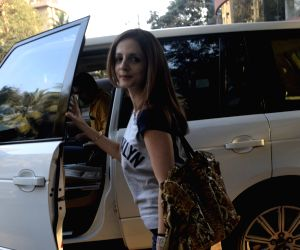 Sussanne Khan seen at Juhu