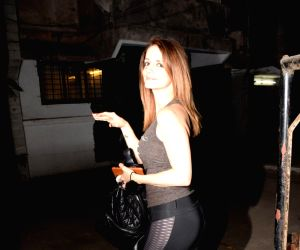 Sussanne Khan seen at a store