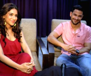 Interview with actors Kunal Khemu Zoa Morani for Film Bhaag Johnny