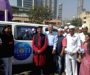 Ex-top cop, UK NRI and Dabbawalas set up 'Mumbai Roti Bank