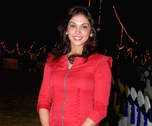 Isha Koppikar turns cop for new web show