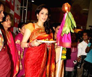 Isha Koppikar celebrates 'Gudipadwa' at Big Fm studios, Andheri.
