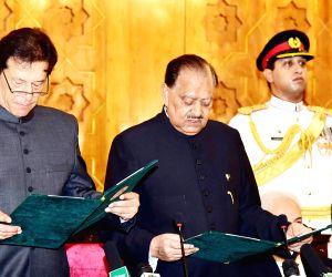 Nepali PM congratulates Pakistan's new PM