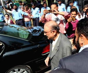 ISLAMABAD, June 10, 2019 - Former Pakistani President and the leader of the Pakistan People's Party (PPP) Asif Ali Zardari (C) leaves Islamabad High Court in Islamabad, capital of Pakistan, June 10, ...