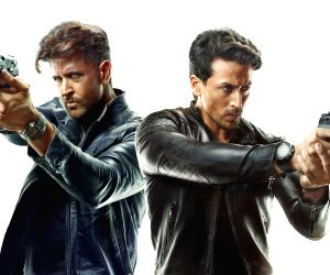 Hrithik Roshan and Tiger Shroff to not share stage during 'War' promotions