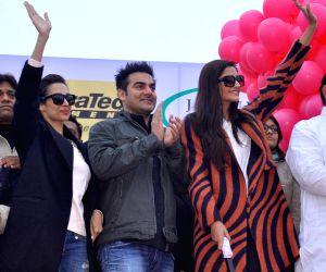 Malaika Arora Khan, Arbaaz Khan, Sonam Kapoor flag off Jaipur Marathon