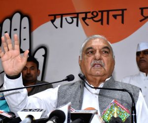 Jaipur: Former Haryana Chief Minister and Congress leader Bhupinder Singh Hooda addresses a press conference at the party office in Jaipur, on Nov 4, 2018. (Photo: Ravi Shankar Vyas/IANS)