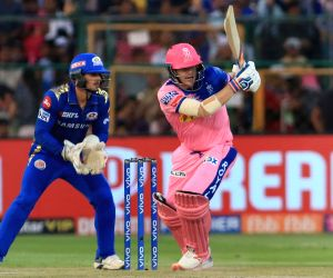 Smith hands RR much-needed win over MI