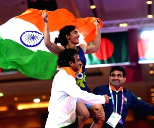 Proud of 'Golden Girl' Vinesh Phogat, says B-Town