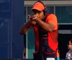 Trap shooter Lakshay clinches silver medal