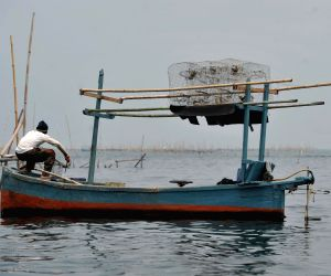 INDONESIA-JAKARTA-FISHERMAN
