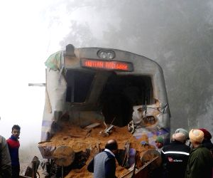Accident between train and tractor
