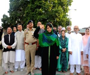 Mehbooba Mufti pays tribute to martyrs of July 13, 1931