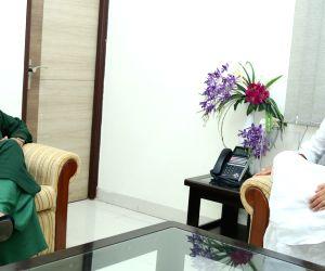 J&K CM Mehbooba Mufti meets Home Minister Rajnath Singh