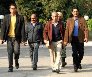 Jammu : Dineshwar Sharma visits primary school in J&K