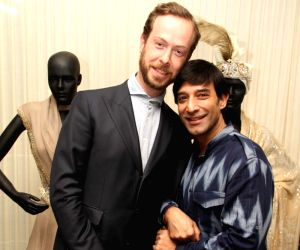 Designer gives sari the Dutch touch