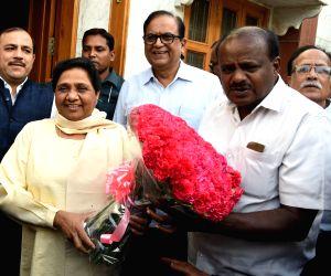 H.D. Kumaraswamy meets Mayawati