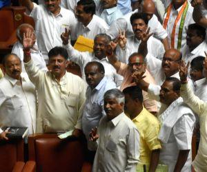 Yeddyurappa steps down, JD(s) - Congress MLAs celebrate