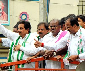 Kumaraswamy busy campaigns for JD(S) candidate